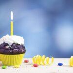 Geburtstagscupcake mit Kerze